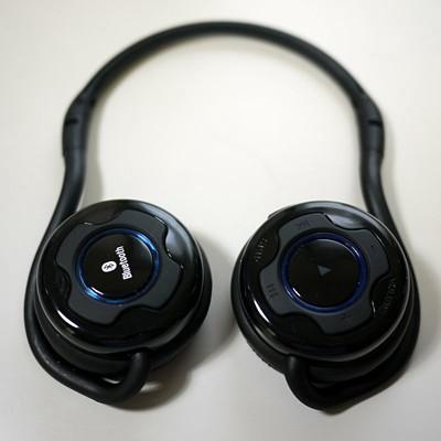 価格がリーズナブルで安定して使えるBluetooth ヘッドフォン サンワサプライ MM-BTSH24